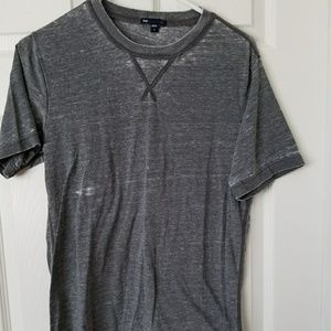 GAP WOMENS DISTRESSED TEE SIZE S GRAY